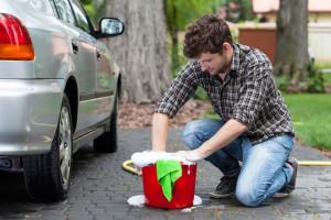 Como Lavar o Carro Homem com Balde